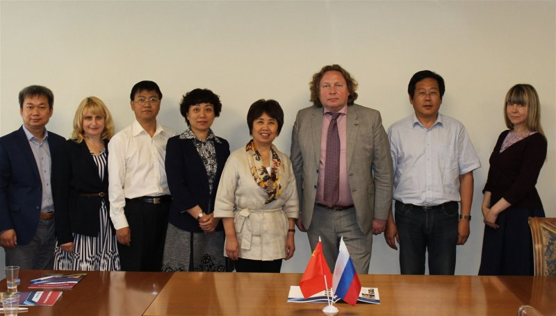 SUAI Administration Meets Secretary of Beijing Municipal Commission of Education and Heads of Beijing Leading Technical Schools